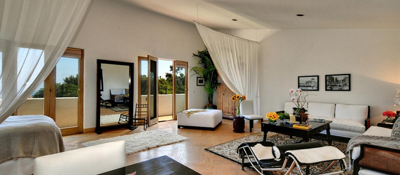 Malibu-Luxury-Real-Estate-Malibu-Bluff-Estate-Malibu-Ocean-View-Estate-Ocean-View-Home-Malibu-Real-Estate-24834-PCH-5