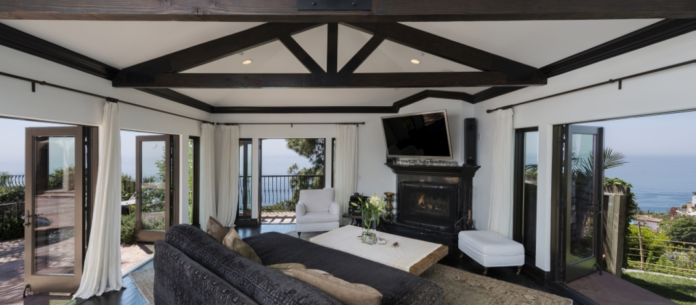 Malibu-Luxury-Real-Estate-Malibu-Poolside-Malibu-Mediterranean-Estate-21