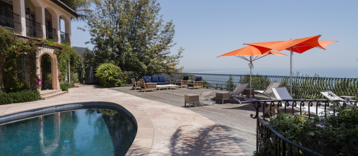Malibu-Luxury-Real-Estate-Malibu-Poolside-Malibu-Mediterranean-Estate-40