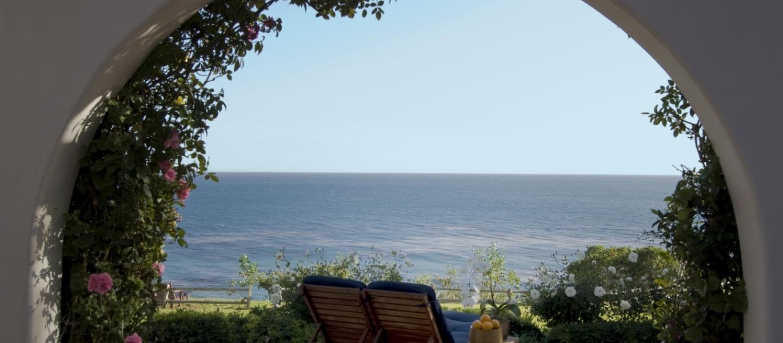 Malibu-Mediterranean-Estate-Malibu-Casa-California-Casa-Hacienda-Architecture-Malibu-View-Estate-Malibu-Luxury-Real-Estate-2