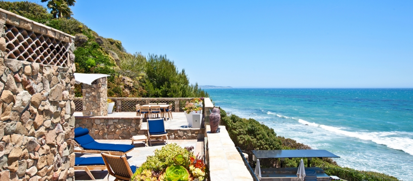 Malibu-Oceanfront-Real-Estate-Malibu-Beach-front-real-estate-Malibu-Beach-House-Malibu-Encinal-Bluffs-Malibu-Real-Estate-32852-Pacific-Coast-Hwy-14