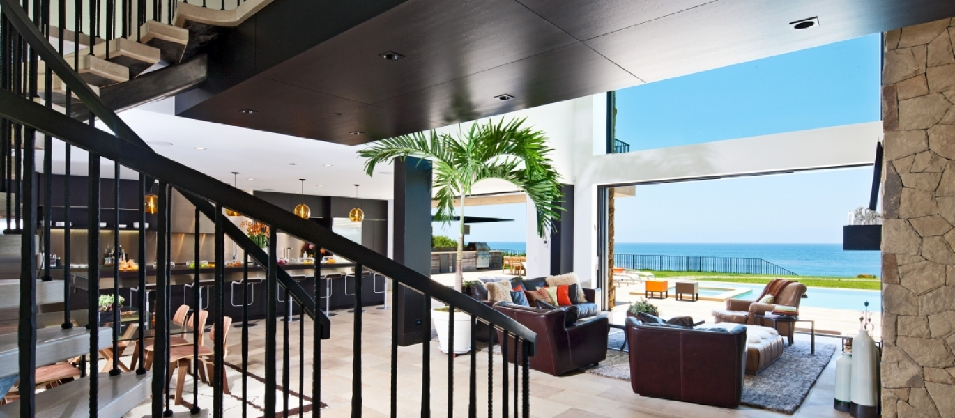 Malibu-Oceanfront-Real-Estate-Malibu-Beach-front-real-estate-Malibu-Beach-House-Malibu-Encinal-Bluffs-Malibu-Real-Estate-32852-Pacific-Coast-Hwy-3.