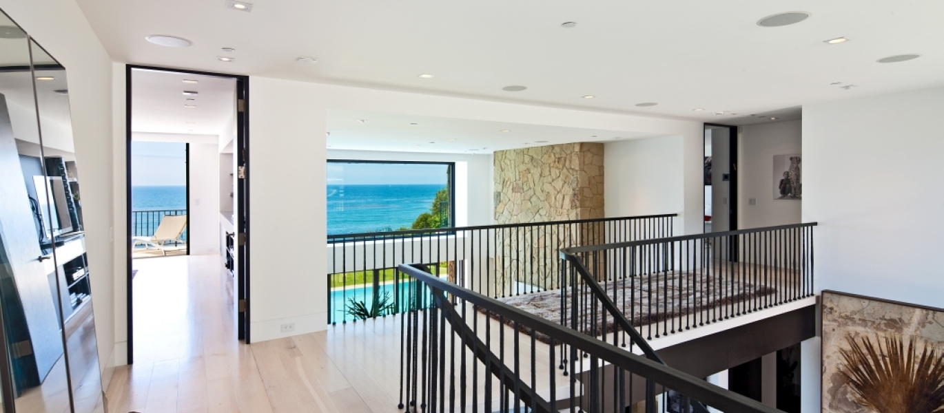 Malibu-Oceanfront-Real-Estate-Malibu-Beach-front-real-estate-Malibu-Beach-House-Malibu-Encinal-Bluffs-Malibu-Real-Estate-32852-Pacific-Coast-Hwy-32