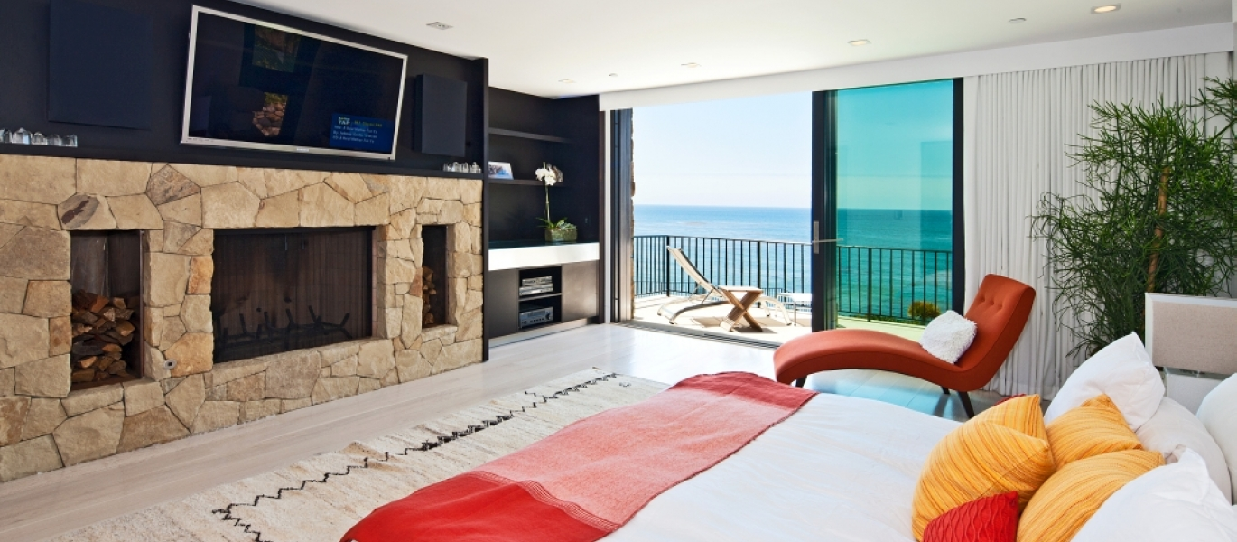 Malibu-Oceanfront-Real-Estate-Malibu-Beach-front-real-estate-Malibu-Beach-House-Malibu-Encinal-Bluffs-Malibu-Real-Estate-32852-Pacific-Coast-Hwy-40.