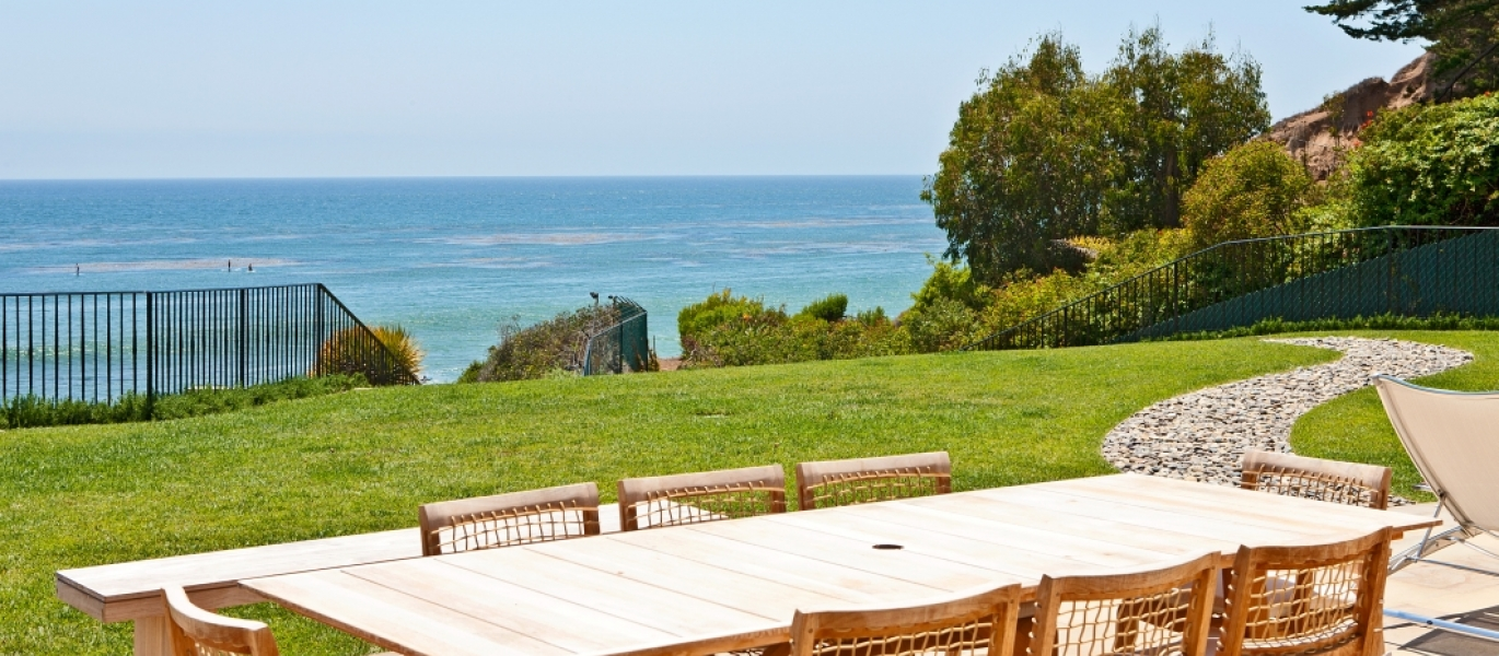 Malibu-Oceanfront-Real-Estate-Malibu-Beach-front-real-estate-Malibu-Beach-House-Malibu-Encinal-Bluffs-Malibu-Real-Estate-32852-Pacific-Coast-Hwy-9