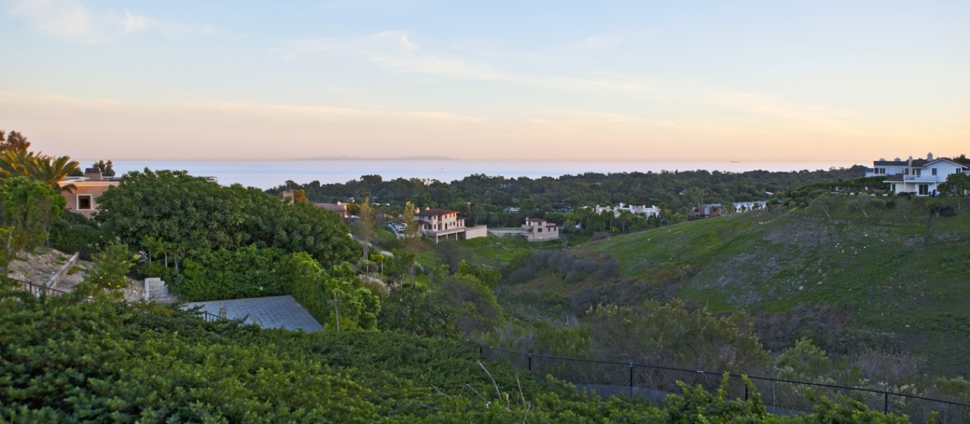 Malibu-Real-Estate-Malibu-Luxury-Real-Estate-Luxury-Estate-Ocean-View-Malibu-6225ZumirezDrive-8