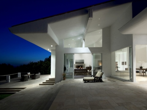 Central Malibu Bluffs Estate